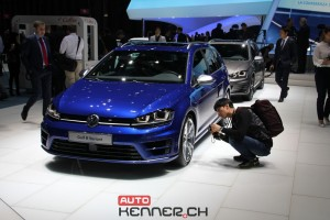 VW GOLF R300 Variant