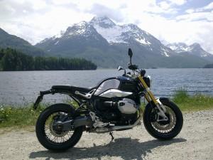 BMW R Nine T bei Sankt Moritz
